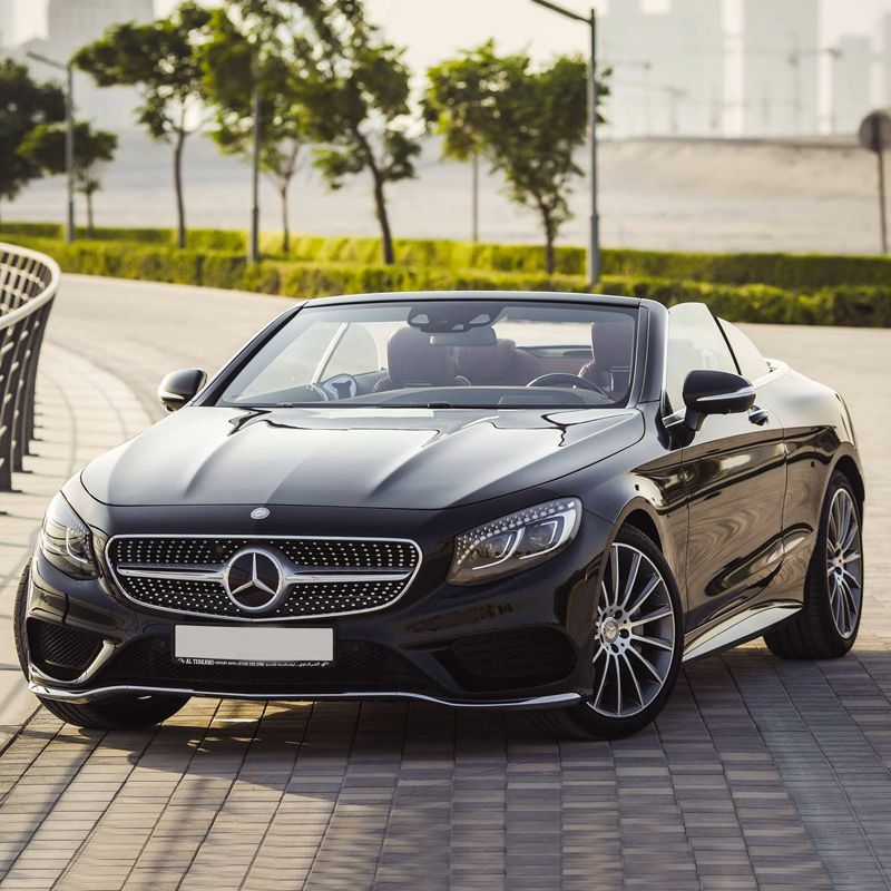 Drive 😎 the Mercedes Benz C200 Cabriolet 🚙 in Dubai for