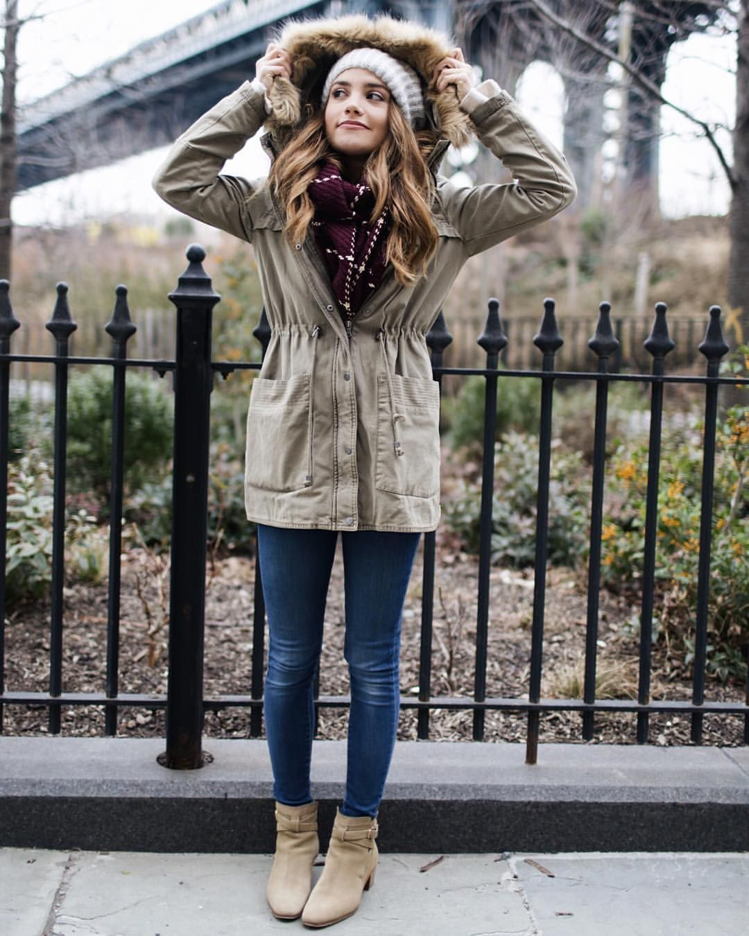 899bcae009a Tess Christine sur Instagram : Bundled up. It's cold and even ...