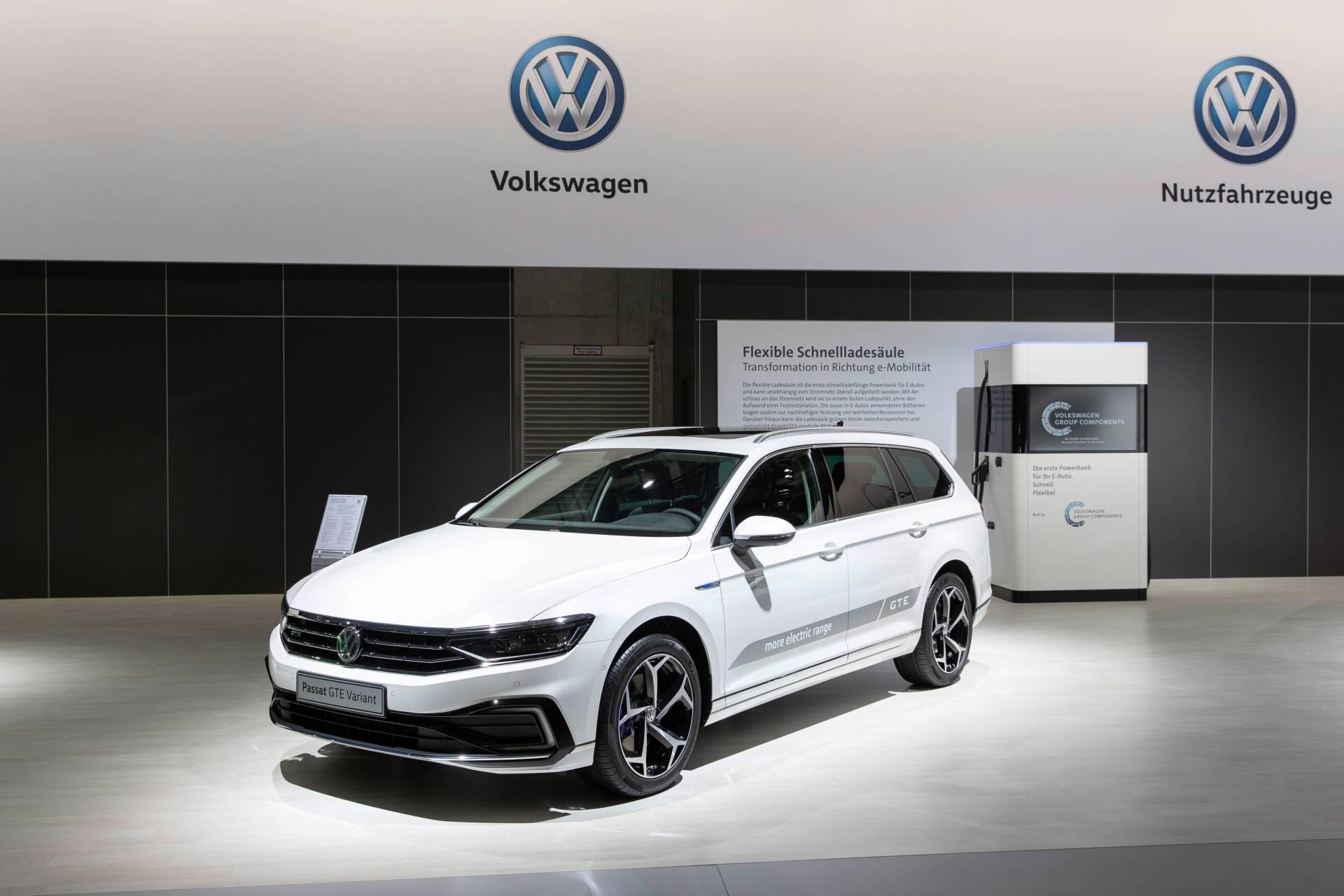 2020 Vw Passat Pre Sales Begin In Europe Prices Announced Carscoops Vw Passat Volkswagen Europe