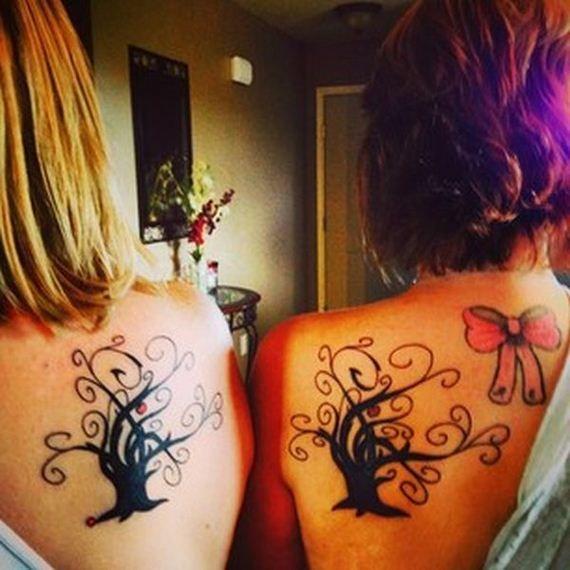 Mães e filhas eternizam seu amor através de tatuagens