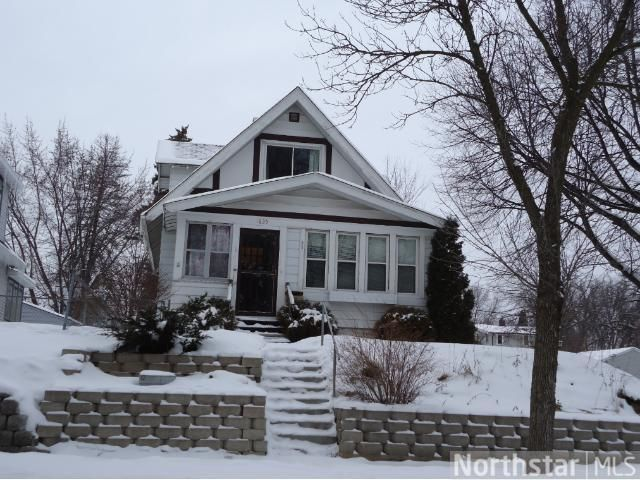 1835 Case Avenue St Paul Mn 55119 Pinned From Www Coldwellbanker Com House Styles Real Estate Real Estate Listings
