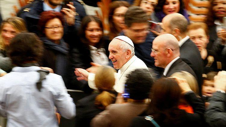 """@jaarreaza : RT @ActualidadRT: Para el papa Francisco la resistencia a las reformas en la Iglesia está """"inspirada por el demonio"""" https://t.co/qbzuZTMdtf"""