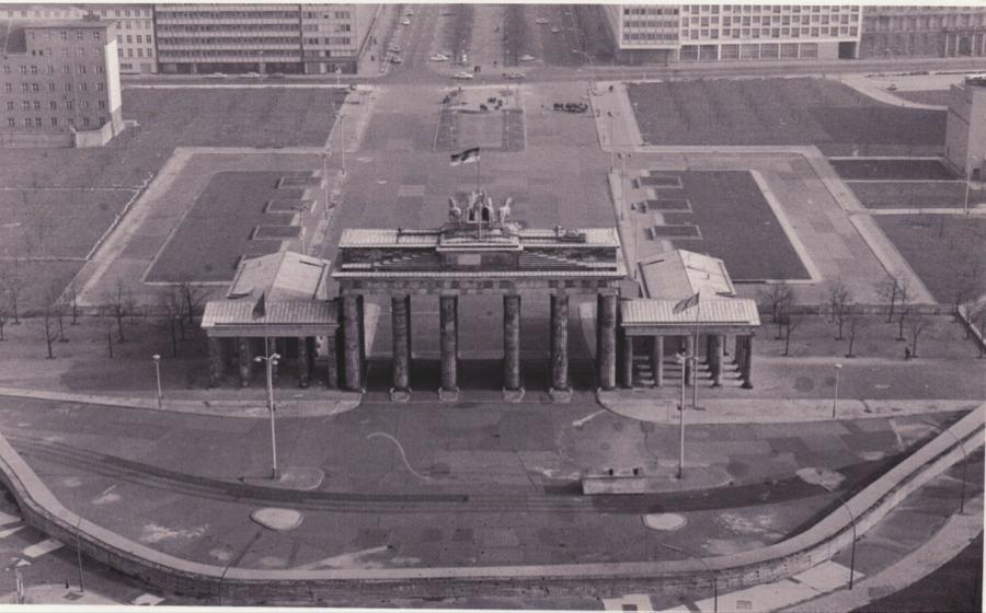 Brandenburg Gate 3 Brandenburg Gate Berlin Wall Cold War
