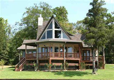 Century 21 Butler Real Estate Services Mount Vernon Tx Real Estate Mls Id 10024356 Lake House House Styles Waterfront Homes