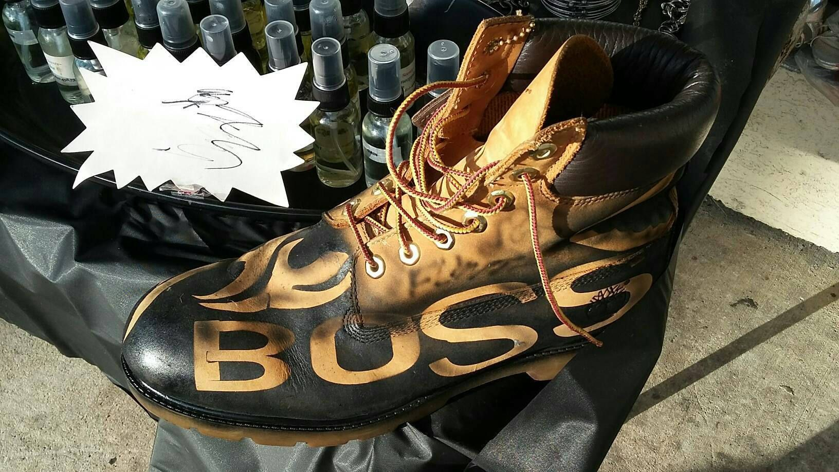 airbrush Timberlands Boss boots one of