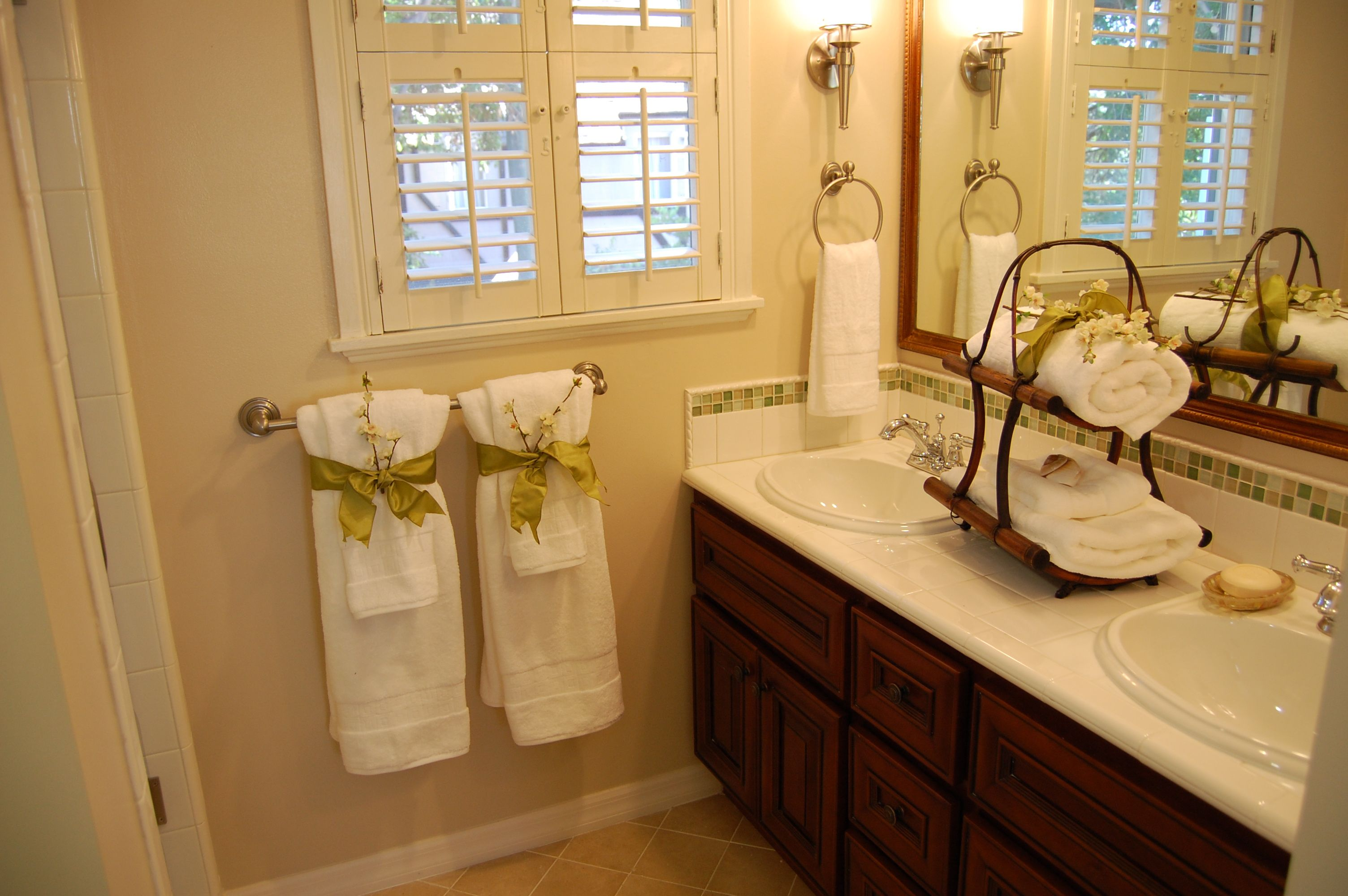 Bathroom home staging prettyyourspace.com home staging ideas