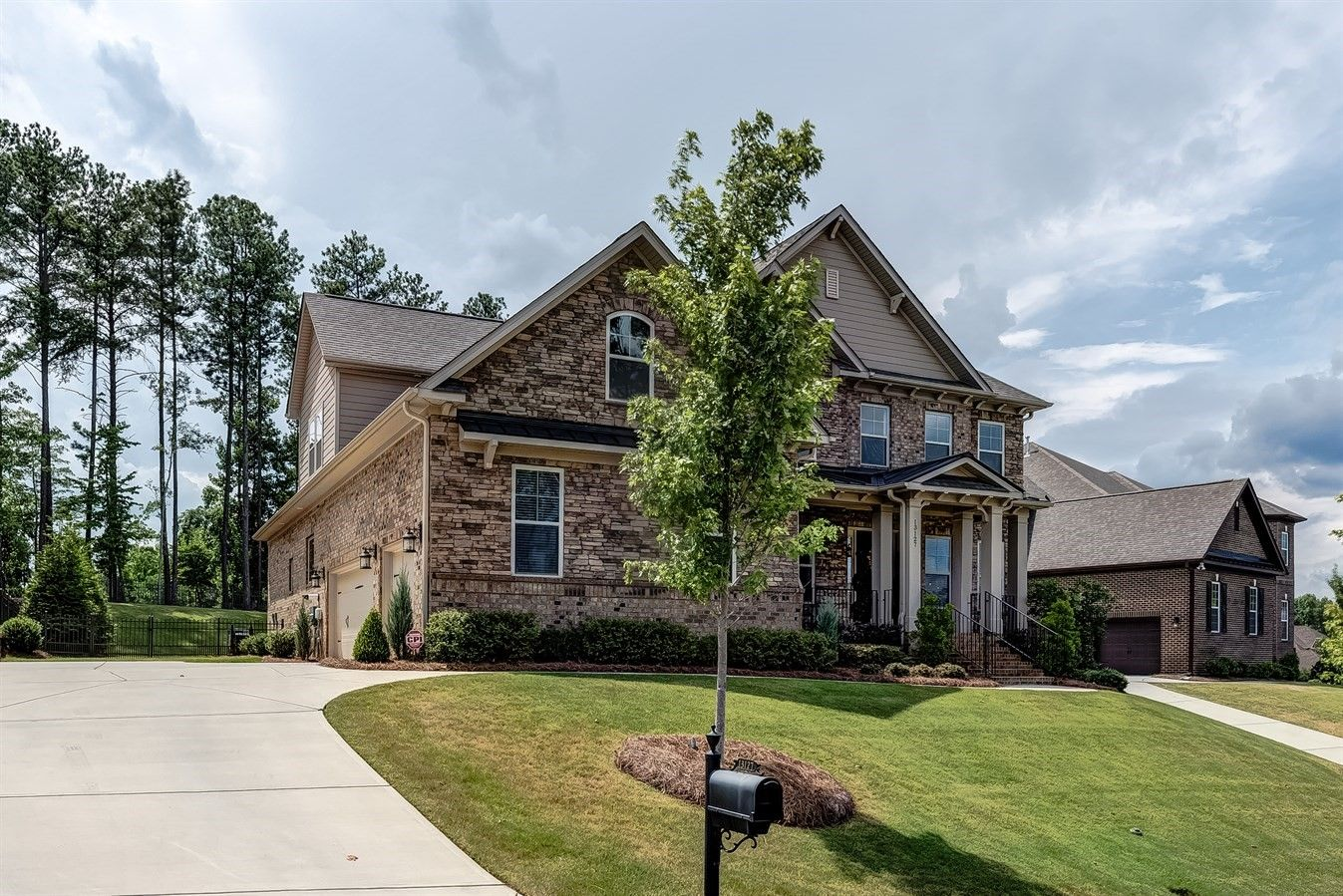 Stunning Open Home On The Golf Course In The Palisades Contact Wendy Richards Keller Williams Realty Ballantyne House Styles Keller Williams Realty Realty