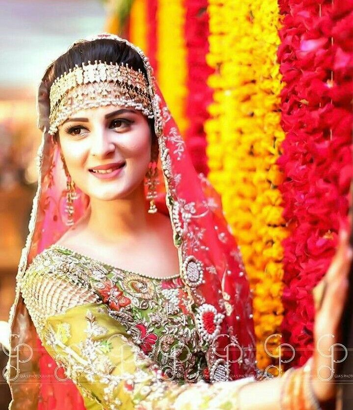Pin By Sarvat Amaz On Mayoun..mehndi Dress In 2019
