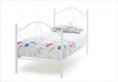 Best Pretty White Metal Bed Frame With Daisy Flower Design 640 x 480