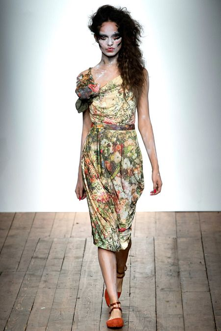 Vivienne Westwood Red Label Spring 2014 Ready-to-Wear Collection Slideshow on Style.com If you must do florals this is the way I would do it.