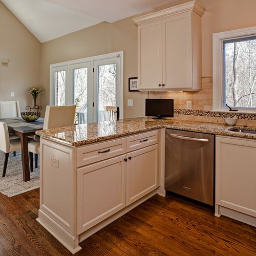 6 Tips For A Kitchen You Can Love For A Lifetime: Kitchen Peninsula Design Ideas & Remodel Pictures