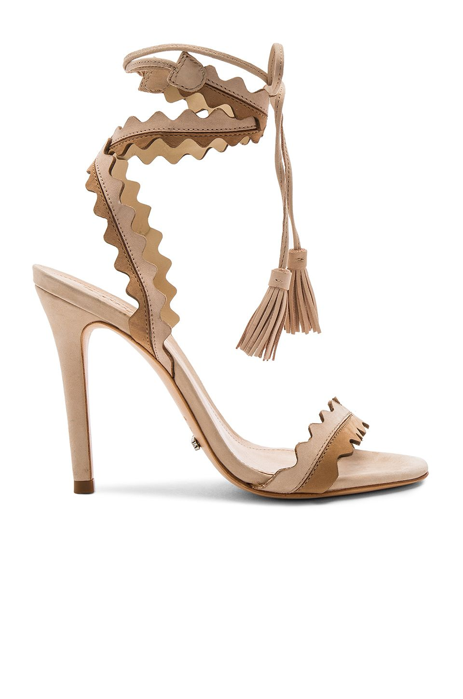 Love this gorgeous sandal!