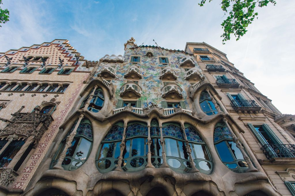 10 Fun Things To Do In Barcelona Don T Miss These On Your Bucket