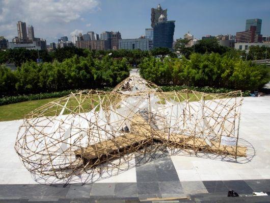 HEXigloo: Honeycomb Cardboard Pavilion Pops Up In Bucharest! | Bucharest,  Pavilion And Honeycombs
