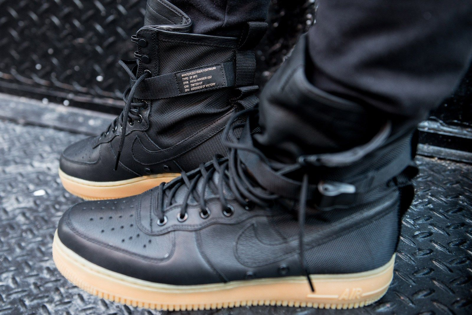 An #OnFeet Look at the Nike Special Field Air Force 1