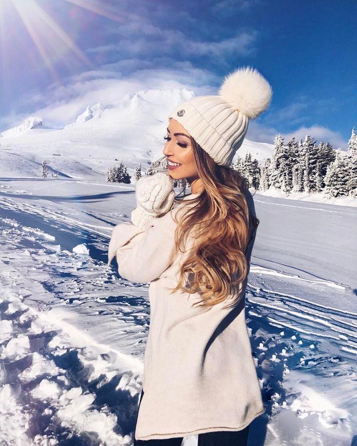 """⠀⠀⠀⠀⠀ �️�Caroline Einhoff��� on Instagram: """"Sunkissed snow bunny ���"""""""