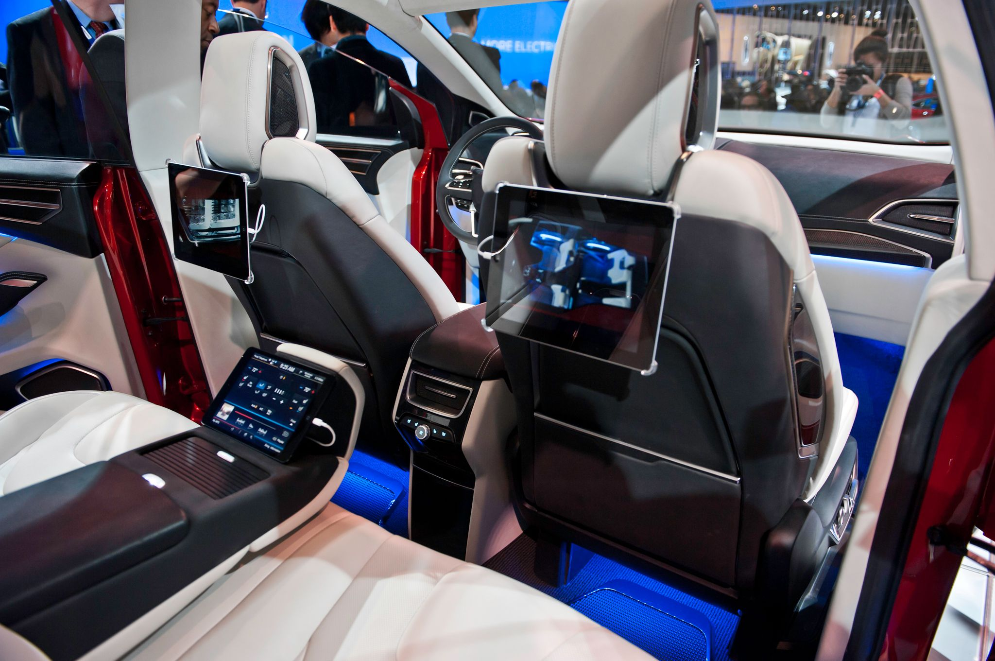 Car interior entertainment - Ford Edge Concept Interior Rear Seats Jpg 2048