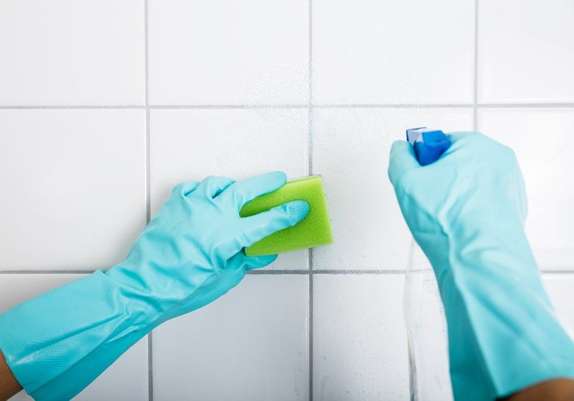 How to clean backsplash tile and grout 4 easy steps
