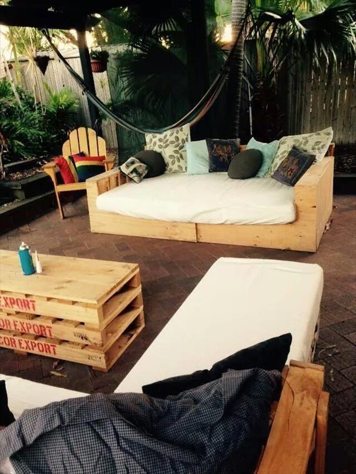 pallet patio l shape sofa and coffee table europalette diy palette und palletten. Black Bedroom Furniture Sets. Home Design Ideas