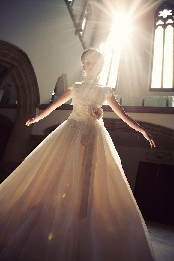 Sensacional, inspiração pura! Bailarinas e noivas. Clica aí na imagem pra ver as outras fotos, vale a pena!