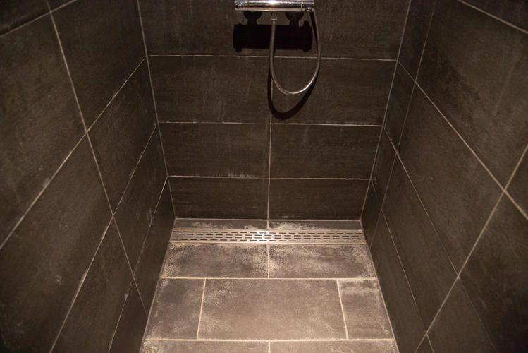 Inloopdouche Met Tegels : Afbeeldingsresultaat voor inloopdouche tegels badkamer