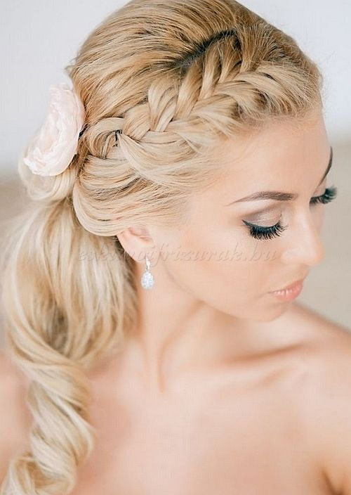 Alkalmi Frizurak Hosszu Hajbol Felig Feltuzott Google Kereses Hair Styles Unique Wedding Hairstyles Braided Hairstyles For Wedding