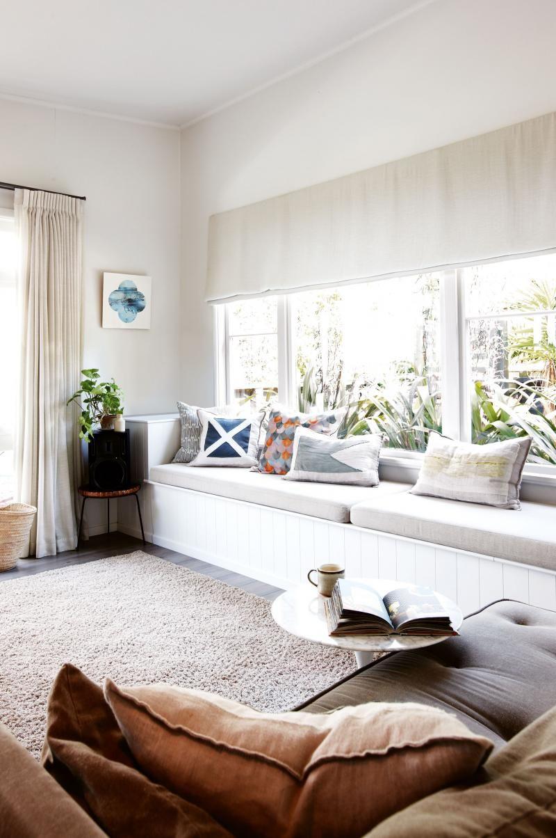 IOT0115_FWIND_07 window seat modern living room white g curtainsrey ...
