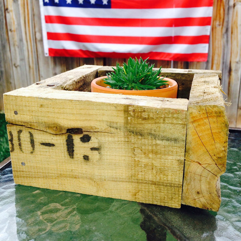 Pallet wood flower box center piece.  $10  https://www.etsy.com/shop/BackyardInspirations?ref=hdr_shop_menu