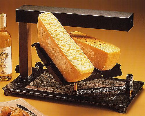 ttm super raclette melter for 2 1 2 wheels of cheese having a big raclette party or a catering. Black Bedroom Furniture Sets. Home Design Ideas