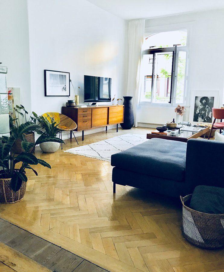 Unsere Wohnung ist ziemlich #Wohnzimmer Pinterest Interiors - wohnzimmer blau holz