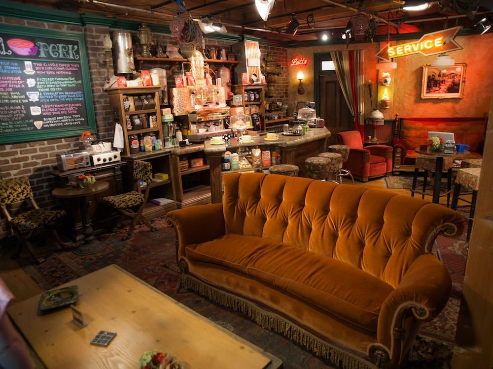Free Coffee And Gunther Friends Central Perk Opens In Nyc