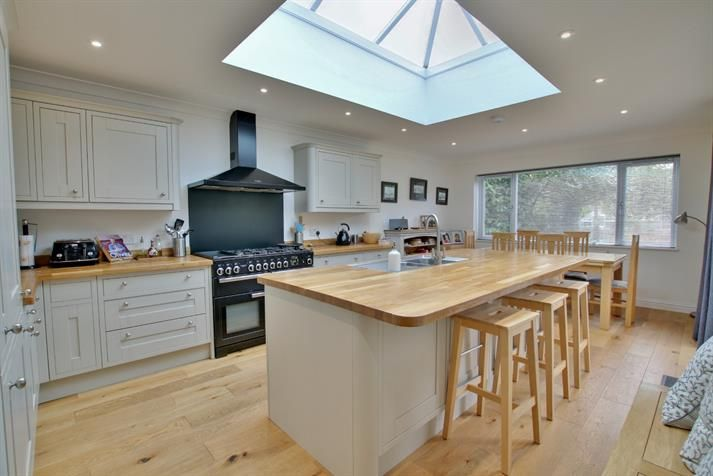 Best Stunning Kitchen And Living Area At This Fareham Property 400 x 300