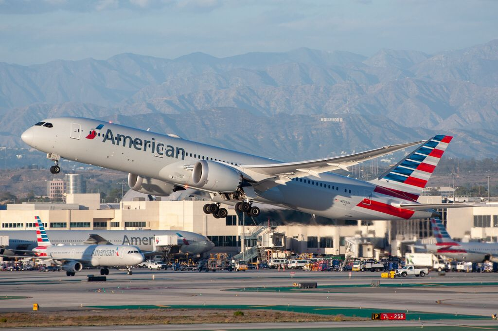 American Airlines 7879 departing LAX_20181201