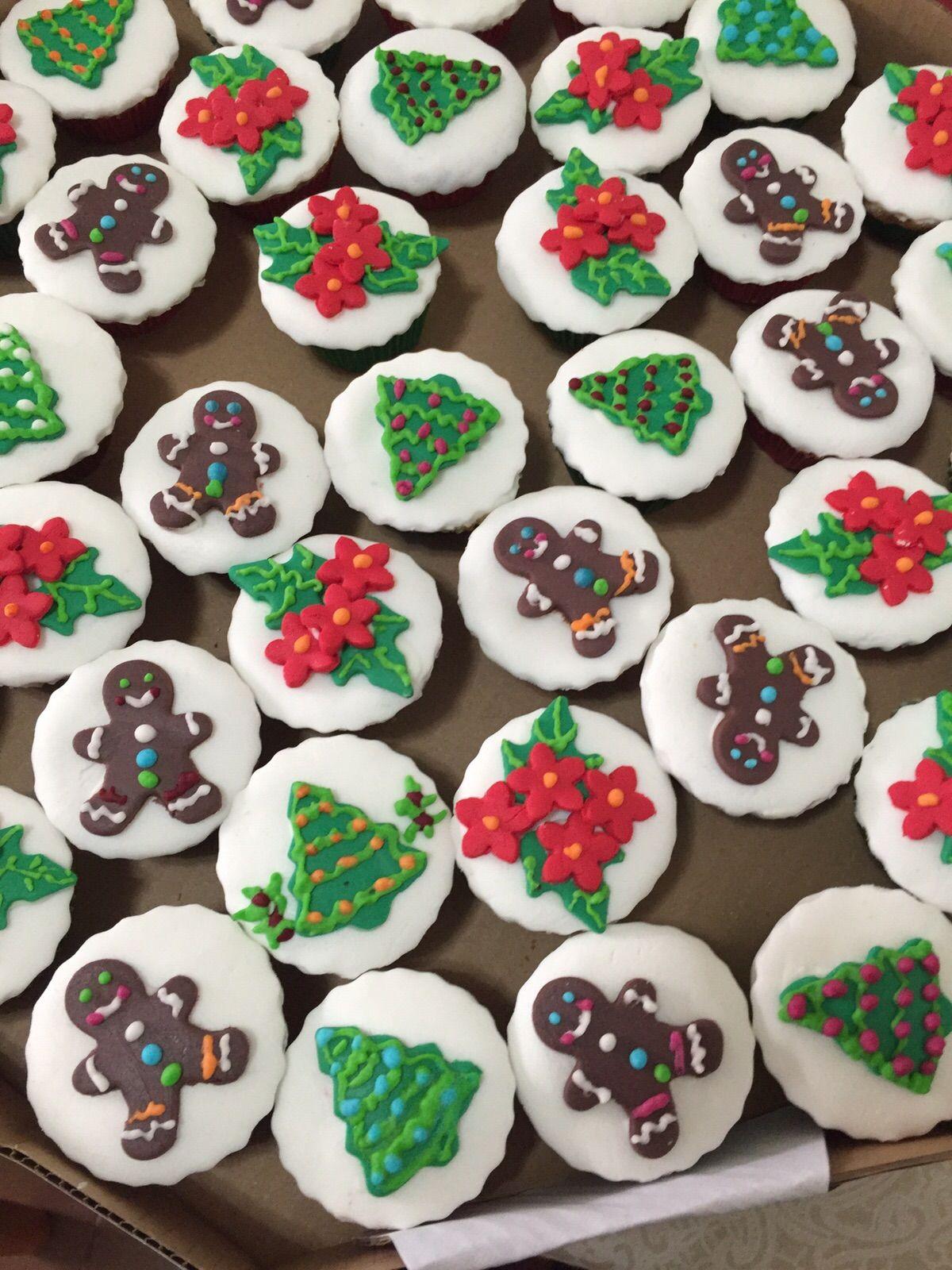 Cookies feitos de trigo integral e chocolate com açúcar mascavo.