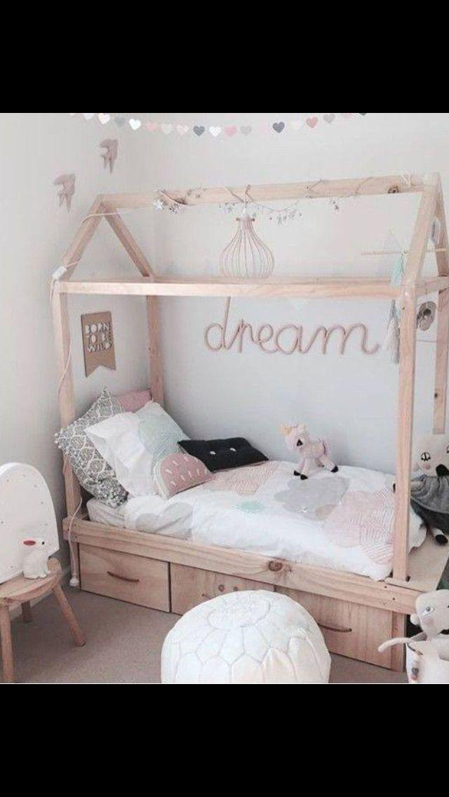 Child room decoraci n cama casita montessori for Decoracion habitacion infantil montessori