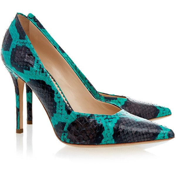 Aperlai Green and Black Snake Court (3.725 ARS) ❤ liked on Polyvore featuring shoes, pumps, green, green pumps, pointed-toe pumps, leather sole shoes, black slip-on shoes and leather pointed toe pumps