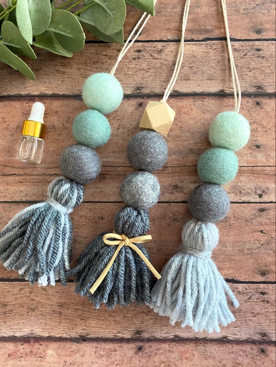 Hang one of these lovely car charms on your rear view mirror to add instant happiness :) Craving a special scent for your drive? Add your oil to the felt ball and use as a diffuser.   #essentialoiltips #essentialoiluses #younglivingessentialoils #doterra #bohochicdecor #carfreshener #etsygifts