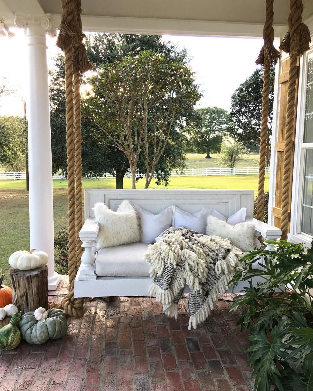 Front Porch Swings Farmhouse Exterior: 47 Rustic Farmhouse Porch Decor Ideas Hanging Manor Bed
