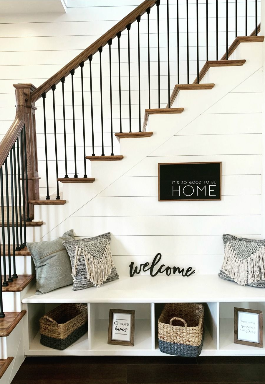 Farmhouse Decor And Design ideas - Inspire your small spaces with Farmhouse decor in Winter Garden, Fl | Contact me to learn how you can live the Orlando! #smallspaces #realestate #farmhouse
