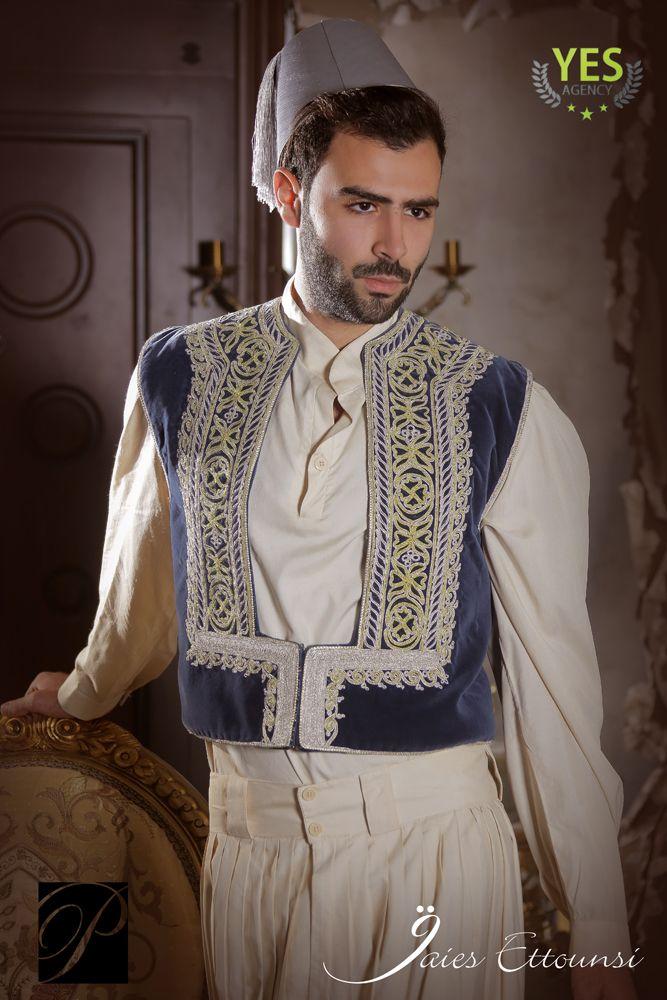 Algerian man wearing Ghlila   Algerie traditions ... Traditional African Fashion Headdress