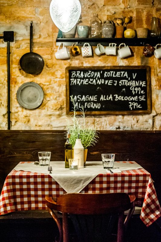 La Pala - a trattoria and pizza restaurant with a traditional ...