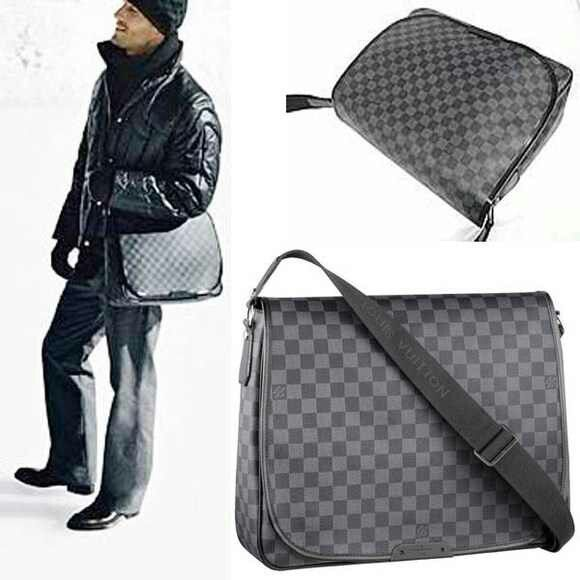 00ecc212031 Men's Louis Vuitton messenger bag I think I need this in my life ...