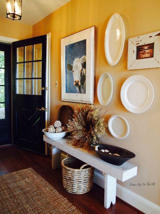 Cozy And Simple Farmhouse Entryway Decor Ideas 6