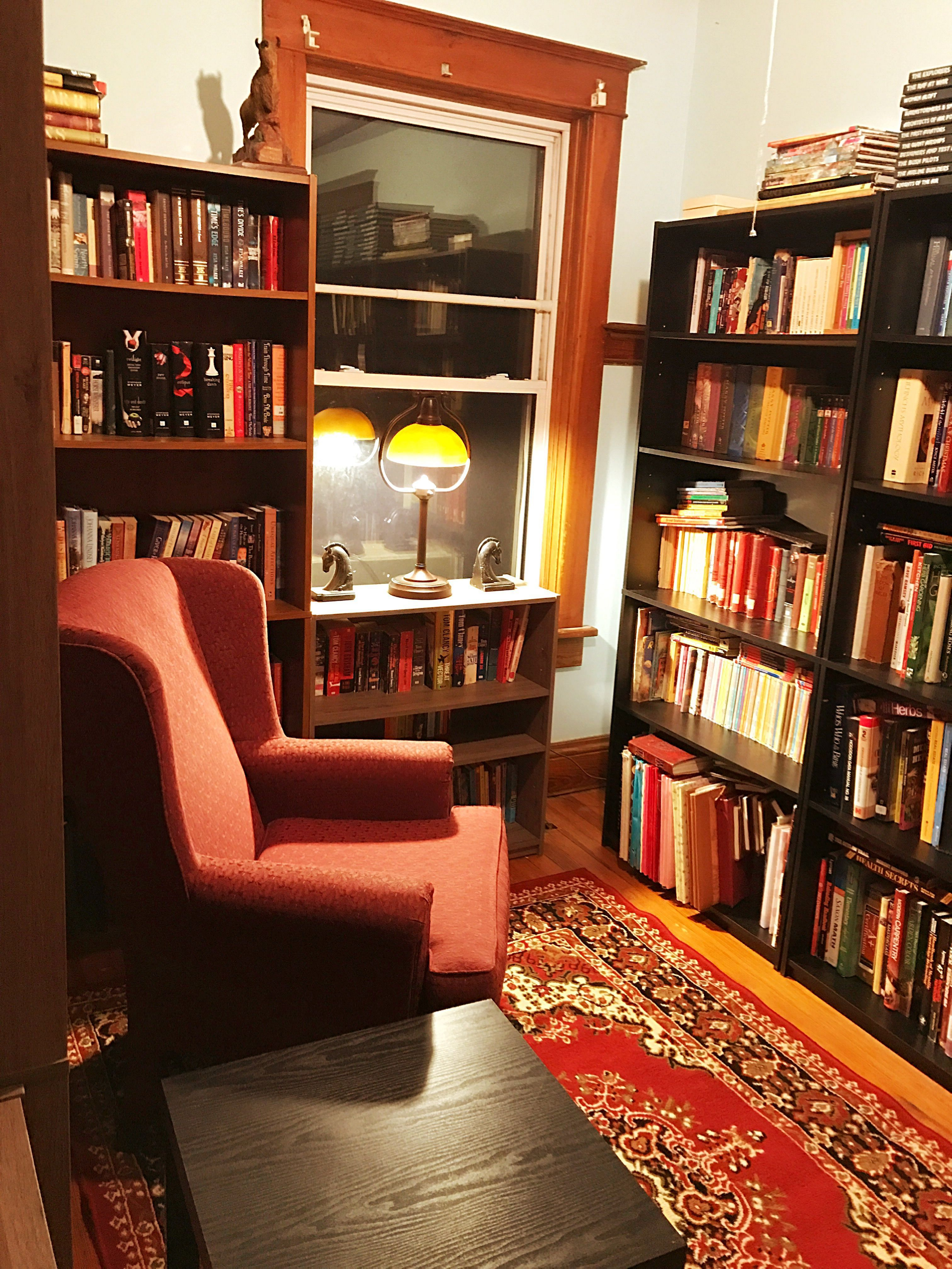 25 Cozy Small Home Library Design Ideas That Will Blow Your Mind Small Home Libraries Home Library Design Home Library Rooms