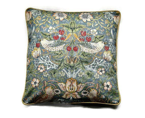 William Morris Design Strawberry Thief 100/% Cotton Drill Fabric By Half Metre.