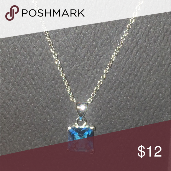 Aqua Stone Silver Chain Necklace Beautiful and bold color! It's an Aqua blue stone color and would look gorgeous with a matching outfit! Jewelry Necklaces