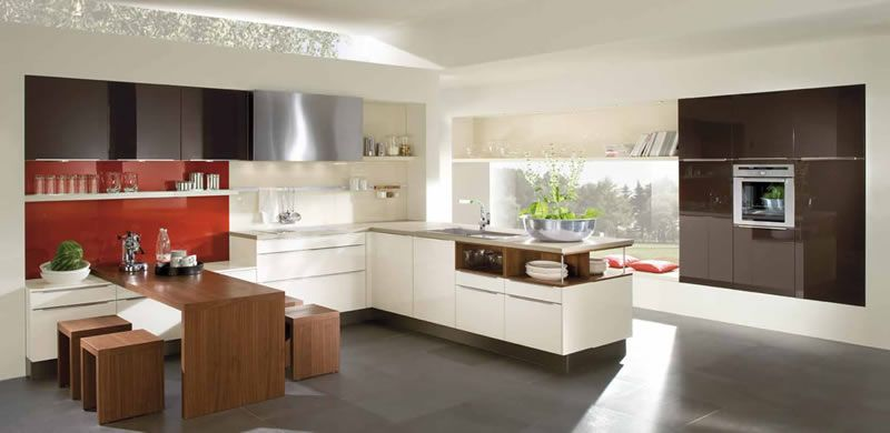 Modern kitchen with matching table and chairs | Cocina moderna con ...