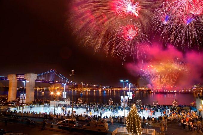 New Year S Eve Fireworks In Philadelphia Best Places To Watch New Years Eve Fireworks New Year S Eve Celebrations New Year Fireworks