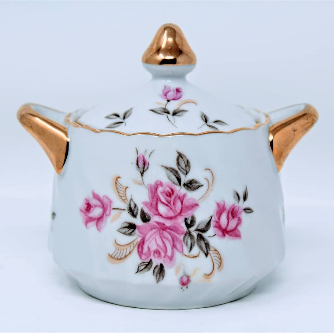 Moss Rose Is A Very Popular Pattern Name And Many China Companies Have It But This One From Lefton Is One Of The P In 2020 Vintage Tableware Sugar Bowl Set