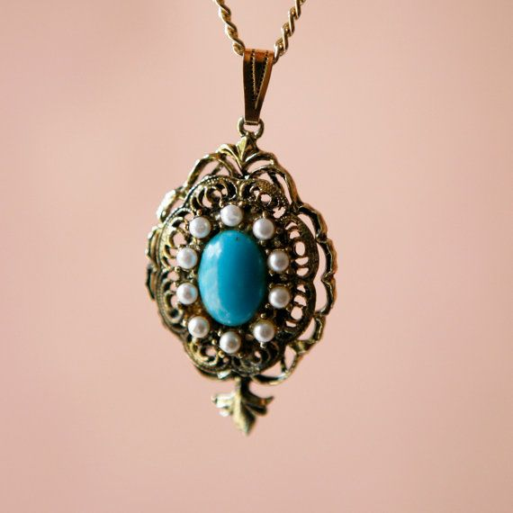 """Super nice vintage necklace with a turquoise-like stone and pearls around the edge ... also, loving the golden filigree design around the base!- """"Whichgoose"""" Esty"""